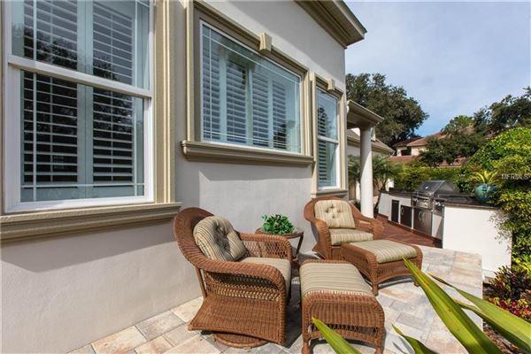Mansions exquisite custom home in prestigious Avila