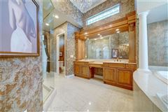 Glamour meets luxury luxury homes