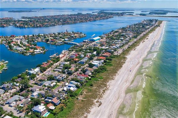 Luxury homes Prime Gulf Front location in st pete beach