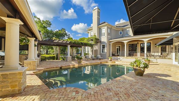 The perfect combination of modern and classic design In Florida luxury properties