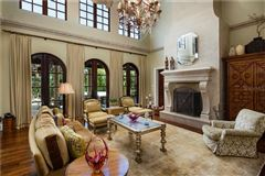 Mansions Beach Park estate customized to perfection