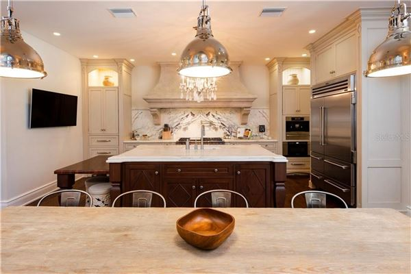 Luxury properties Beach Park estate customized to perfection