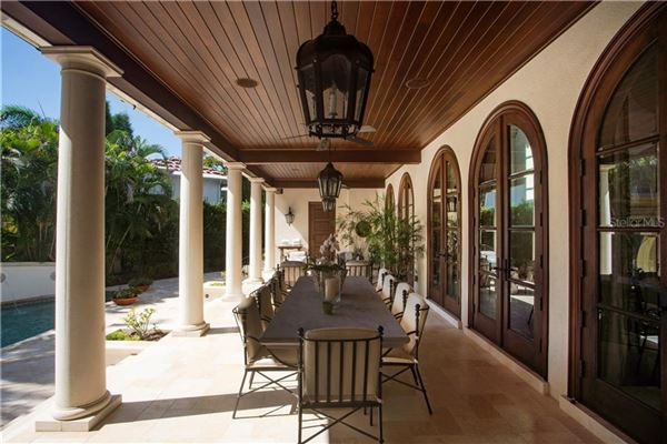 Mansions in Beach Park estate customized to perfection