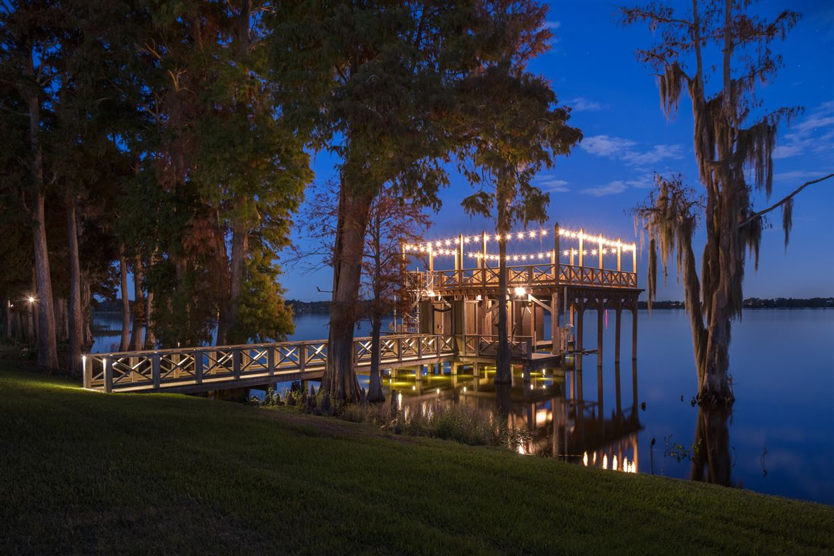 The Oaks in THONOTOSASSA Florida luxury properties