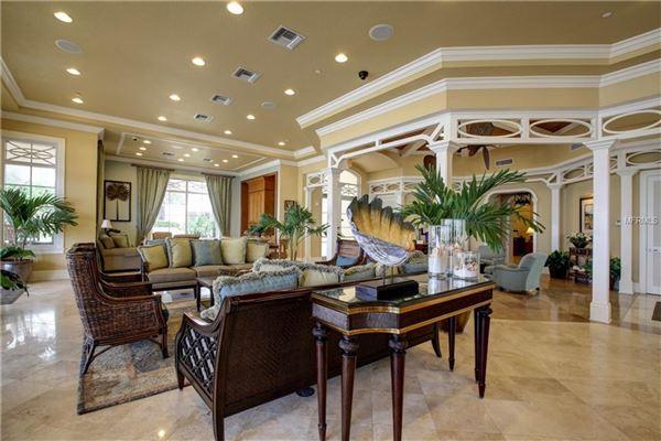 Mansions luxurious Mandalay Beach Club Penthouse