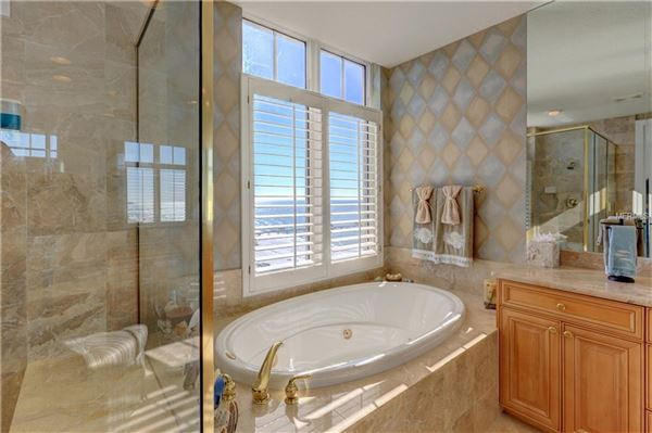Luxury homes luxurious Mandalay Beach Club Penthouse