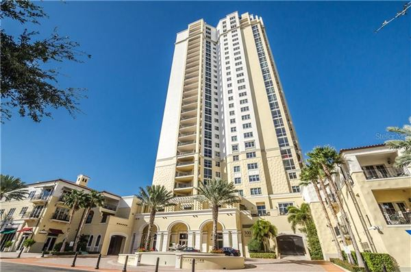Luxury real estate a premier location in Parkshore Plaza