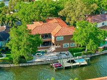 Luxury homes in Stunning Davis Islands pool home