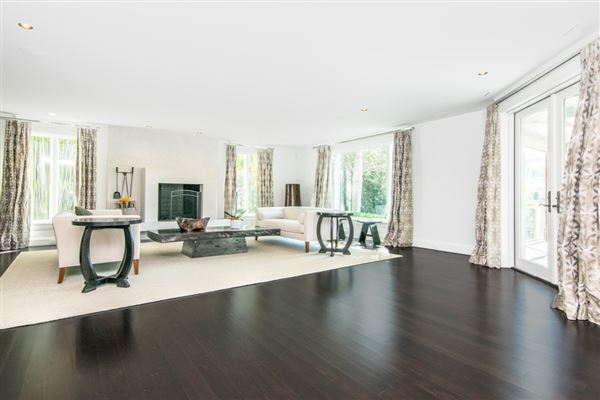 Luxury homes spectacular showplace in Culbreath Isles