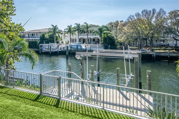 spectacular showplace in Culbreath Isles luxury properties