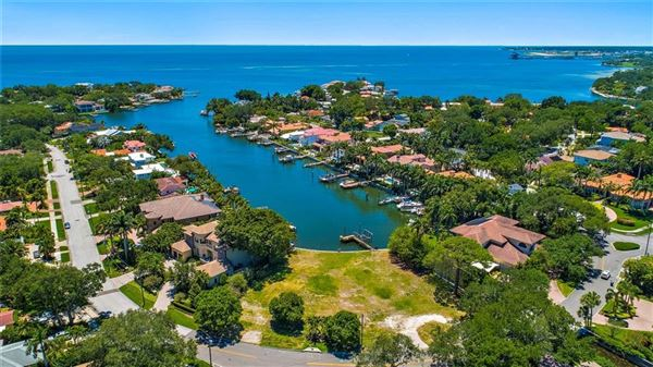 Luxury homes incredible estate-sized waterfront property