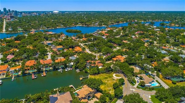 incredible estate-sized waterfront property luxury properties