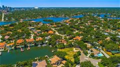 incredible estate-sized waterfront property luxury homes
