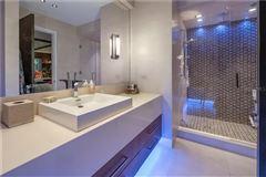 Luxury homes modern work of art on the water