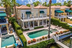 Mansions waterfront gem on beautiful Harbour Island