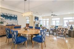 Luxury homes waterfront gem on beautiful Harbour Island