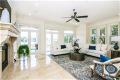 waterfront gem on beautiful Harbour Island luxury real estate