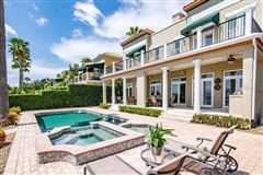 waterfront gem on beautiful Harbour Island mansions
