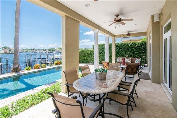 waterfront gem on beautiful Harbour Island luxury properties