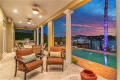 Luxury real estate waterfront gem on beautiful Harbour Island
