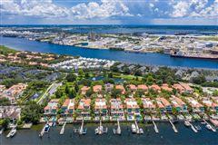 Luxury properties waterfront gem on beautiful Harbour Island