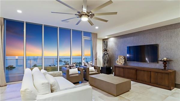 Luxury properties magnificent Penthouse in the bliss complex