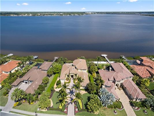 Luxury homes EXQUISITE hawk island WATERFRONT RESIDENCE