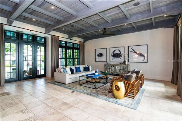 Luxury real estate Resort-Like Home in the Heart of South Tampa