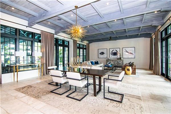 Luxury homes in Resort-Like Home in the Heart of South Tampa