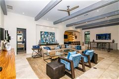 Mansions Resort-Like Home in the Heart of South Tampa