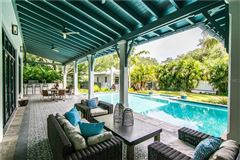 Luxury homes Resort-Like Home in the Heart of South Tampa