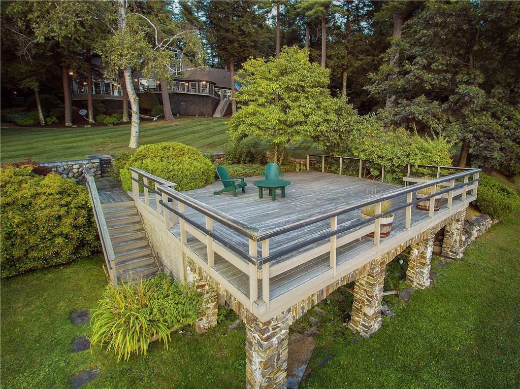 Mansions Stunning Lakefront Estate