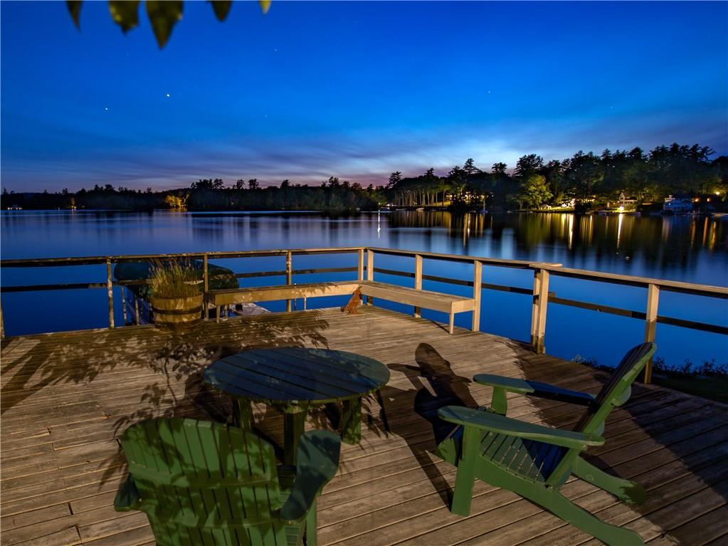 Stunning Lakefront Estate mansions