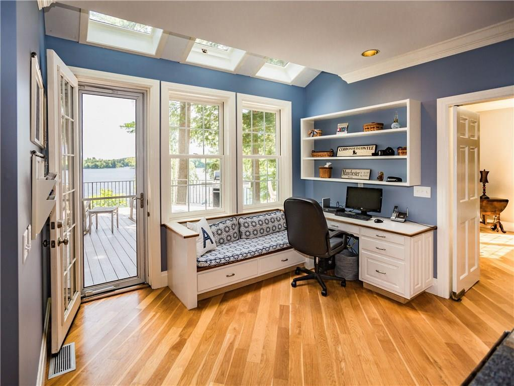 Luxury real estate Stunning Lakefront Estate