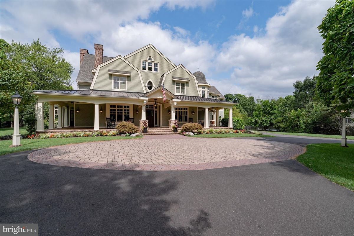 Luxury homes exquisite custom designed home on a spacious lot