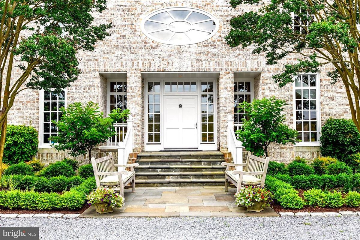 Luxury real estate gracious architectural masterpiece