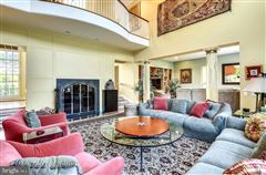 Luxury homes gracious architectural masterpiece