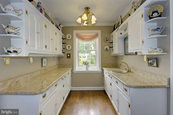 maintained manor home  luxury properties