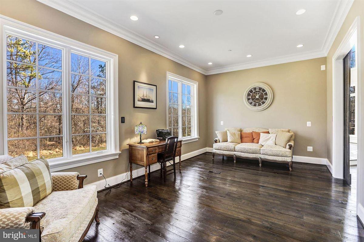 distinctive custom luxury estate on 18 acres mansions