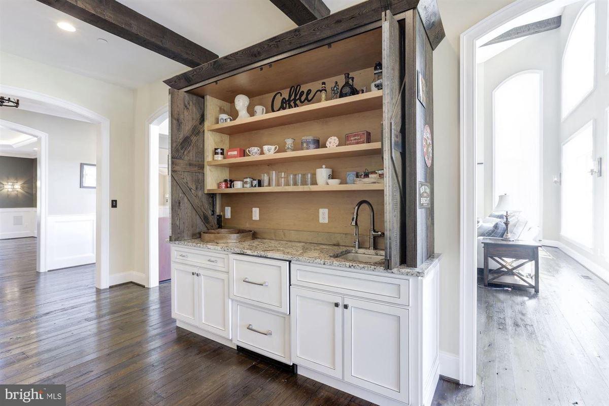 distinctive custom luxury estate on 18 acres luxury homes
