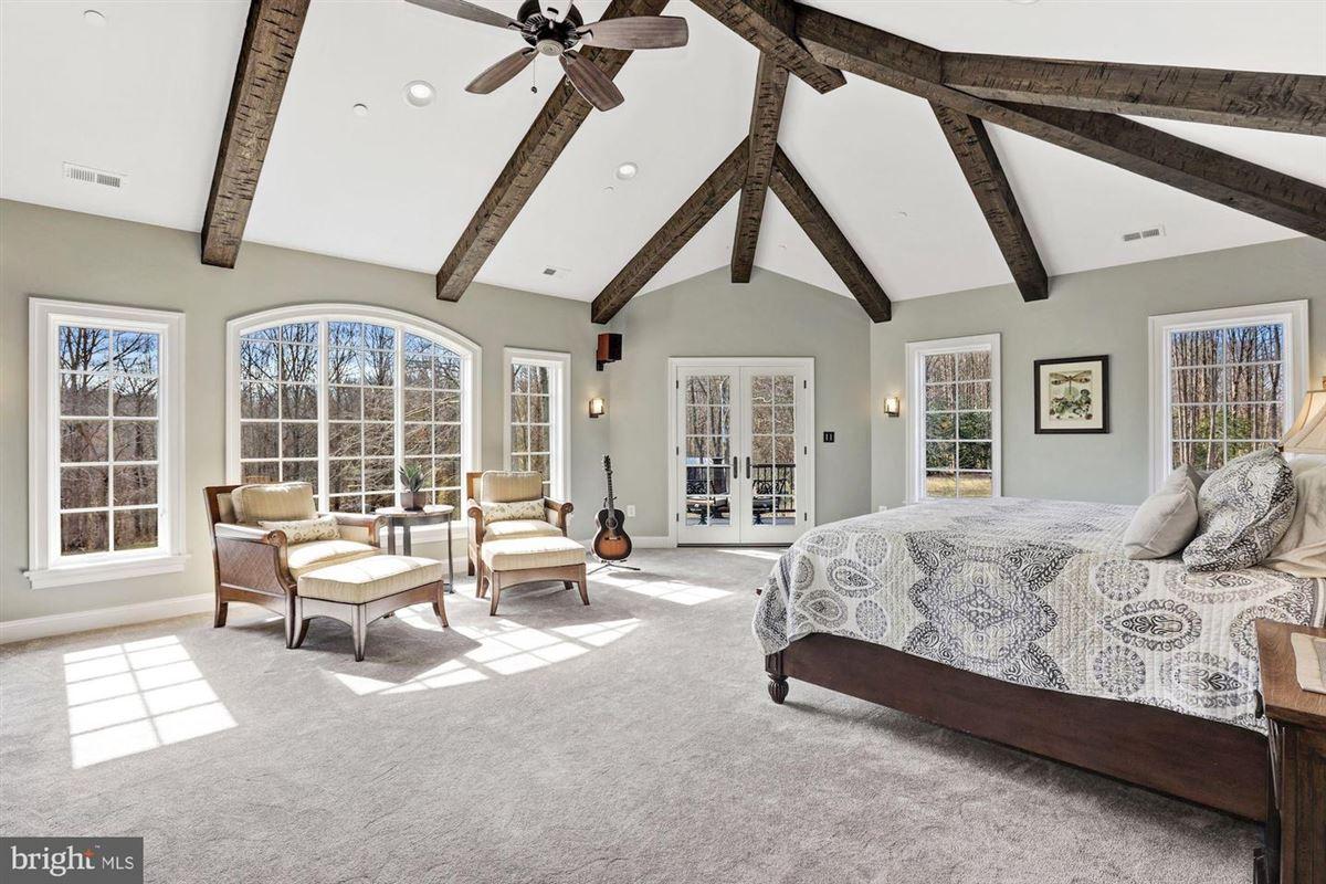 Mansions distinctive custom luxury estate on 18 acres