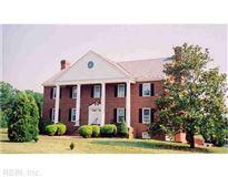Mansions in 280 acre estate