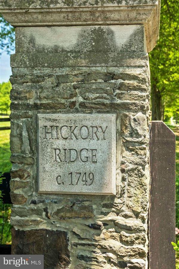 Luxury homes Hickory Ridge