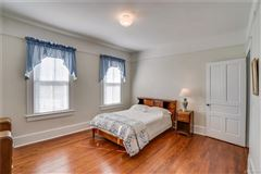 beautiful property in stony creek mansions