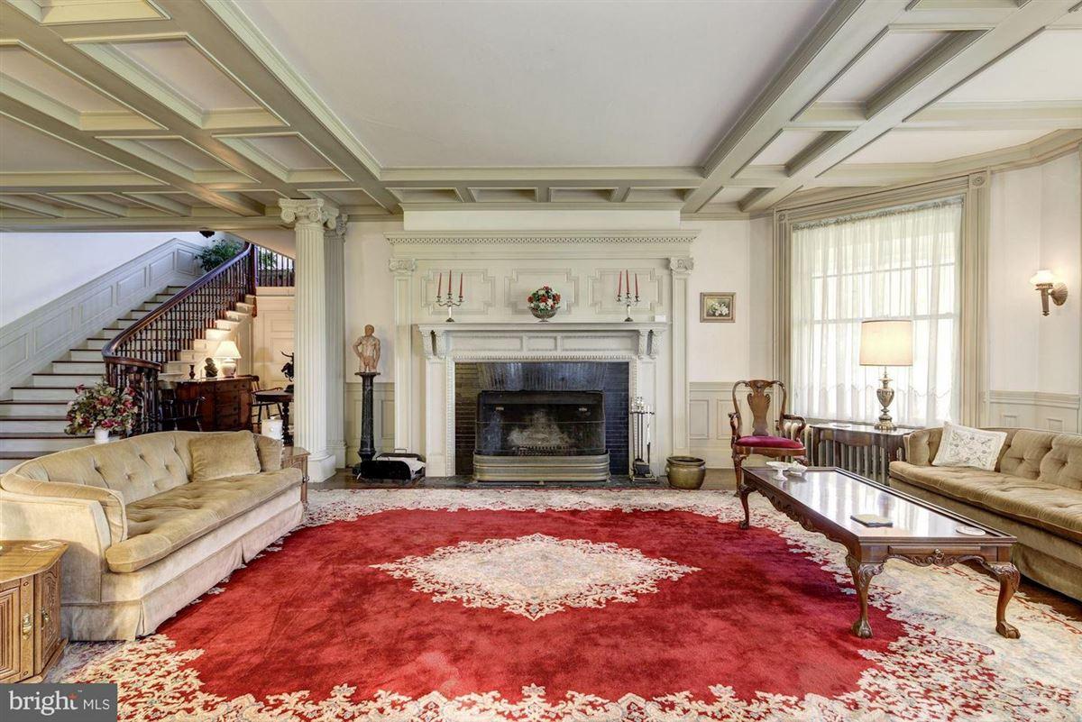 Oakdale mansions