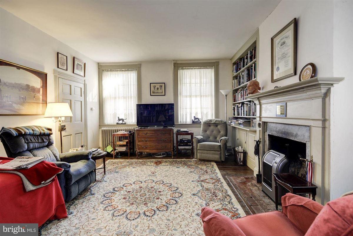 Luxury properties Oakdale
