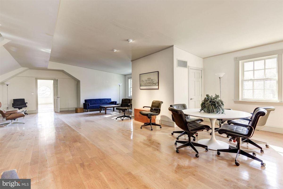 Oakdale luxury real estate