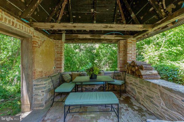 Mansions Historic Noah Rohrbach Farm