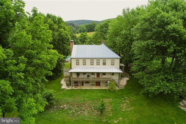 Historic Noah Rohrbach Farm luxury homes