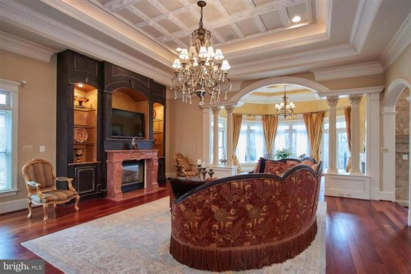 Gorgeous custom estate mansions